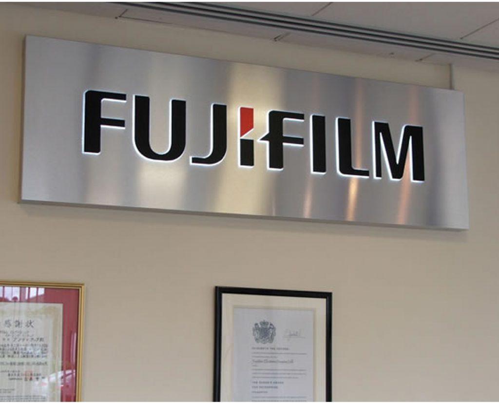 customized aluminum metal sign