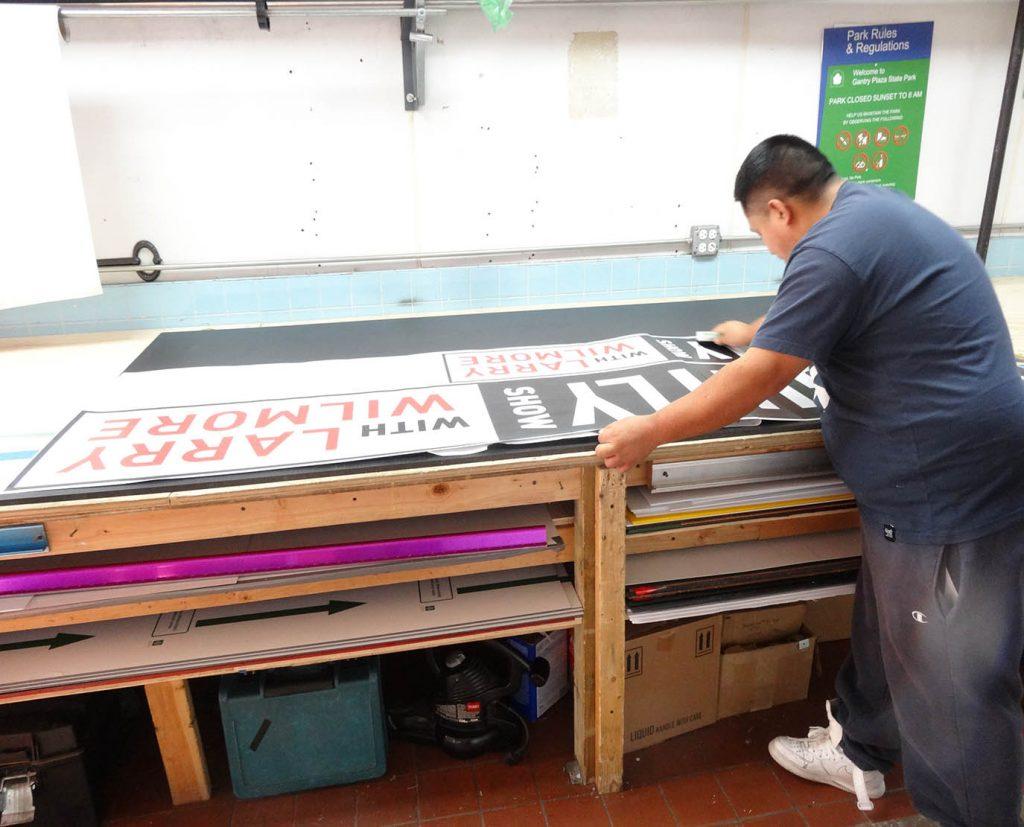 vinyl decals installation services